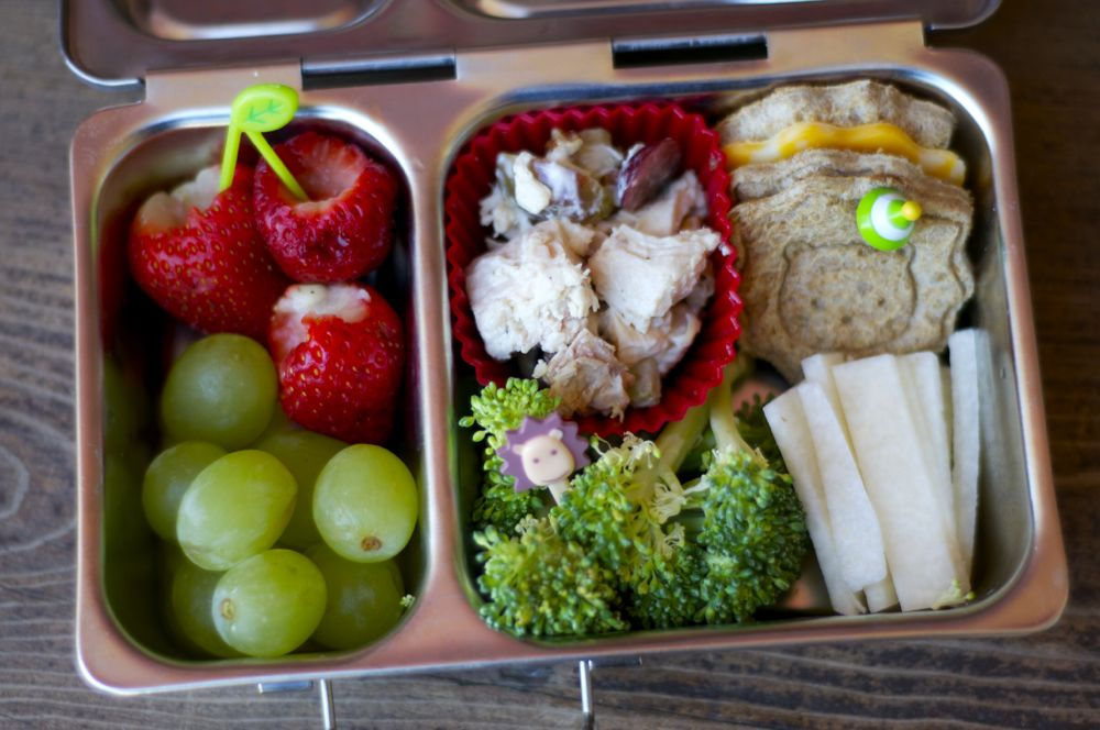 Five Church Snack Bentos from bunchesolunches.com
