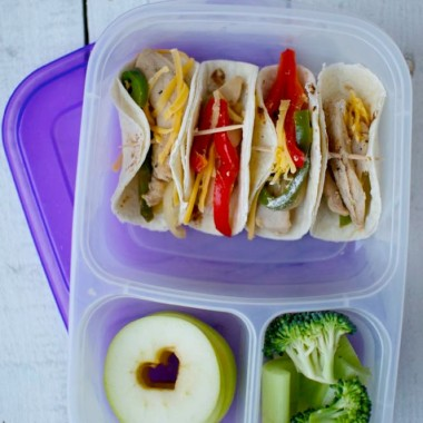 Shoestring Bento Mini Fajita Lunch from bunchesolunches.com