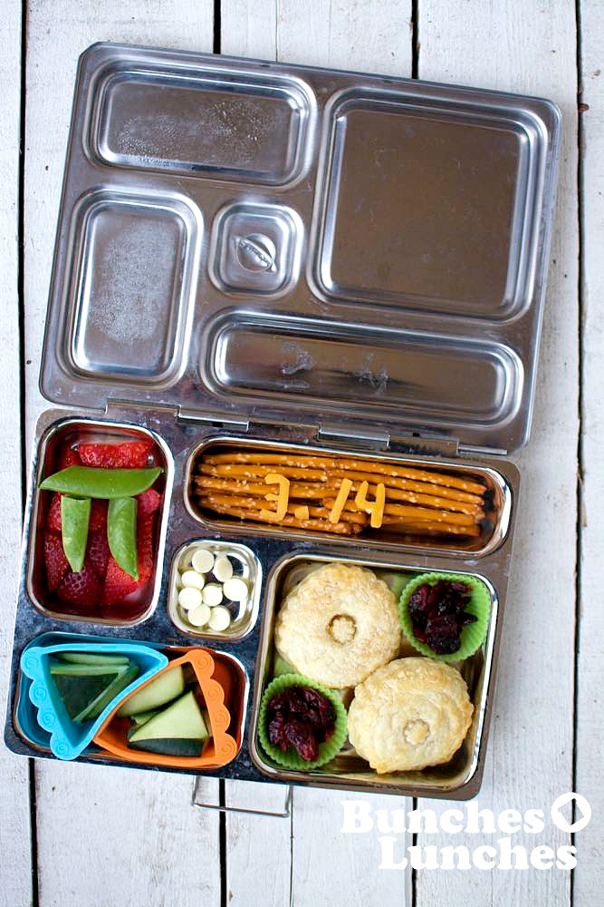 Pi Day Bento Lunch from bunchesolunches.com