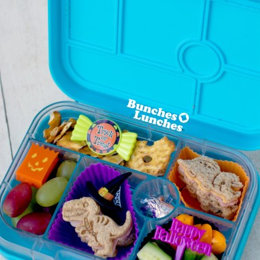 Halloween Dino Lunch from bunchesolunches.com
