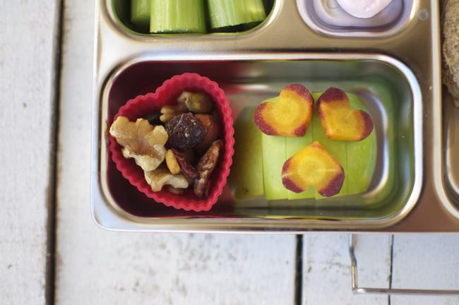 This love you lunch is easy and quick to put together. It has a variety of healthy, fresh foods.